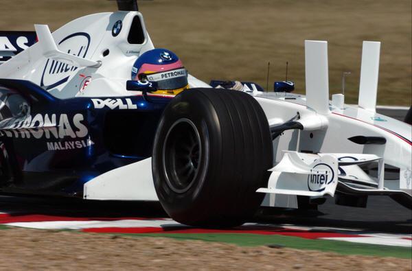 Jacques Villeneuve funda su propia escuela de pilotos 001_small