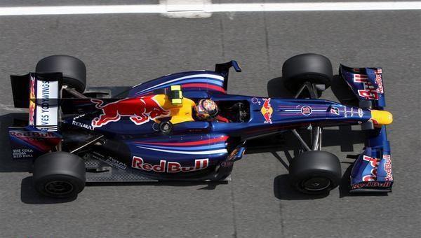 Red Bull también amenaza con dejarlo