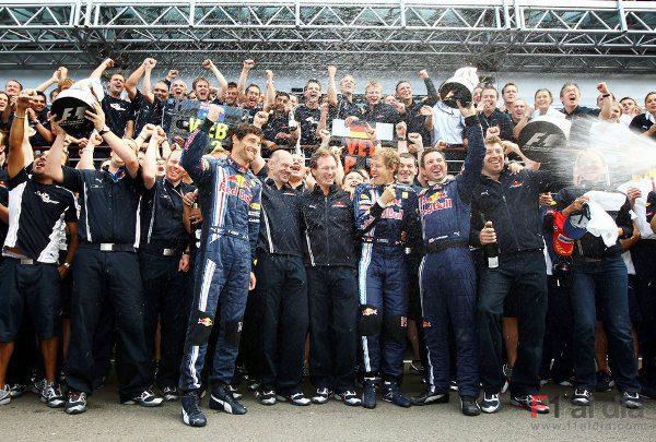 Red Bull podría ser motorizado por Mercedes en 2010