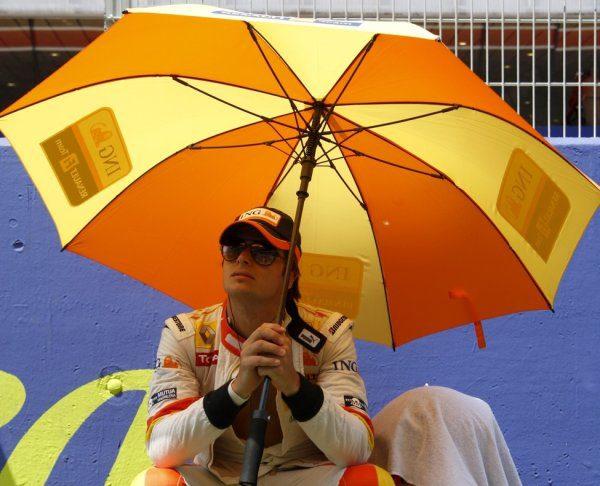 Renault despide a Nelson Piquet