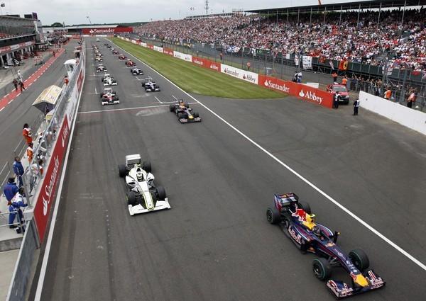 Silverstone se asegura 17 años de Fórmula Uno
