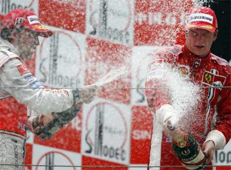 Raikkonen gana el Gran Premio de China de la esperanza