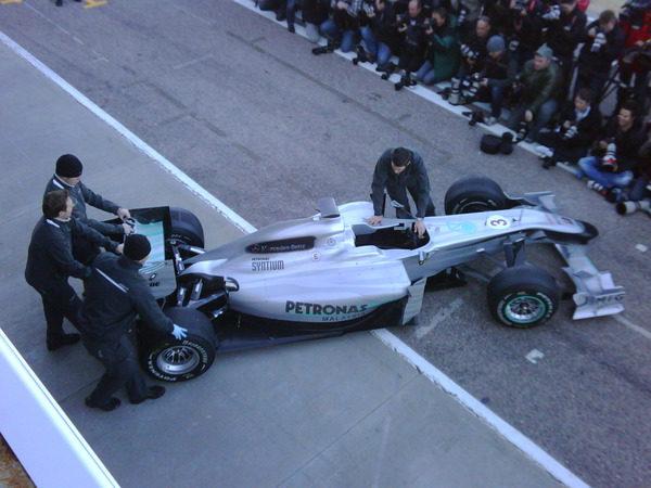 Mercedes presenta el W01 001_small