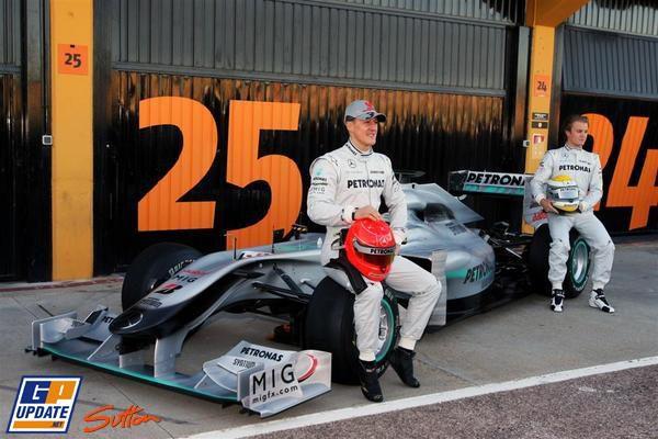 Mercedes presenta el W01 003_small