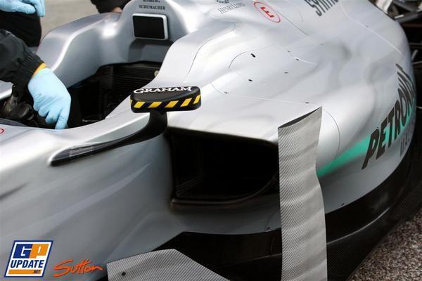 Mercedes presenta el W01 009_small