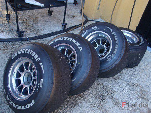 Bridgestone se va de los test contento pero no satisfecho