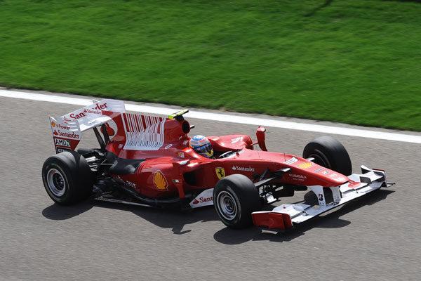 Ferrari cambia también el motor de Fernando Alonso