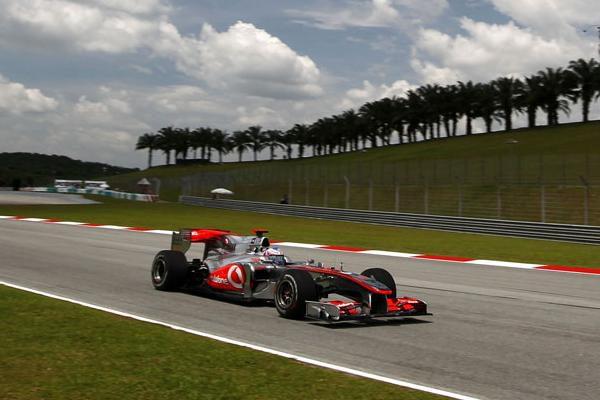 "Horner amenaza al equipo McLaren: ""Protestaremos"""
