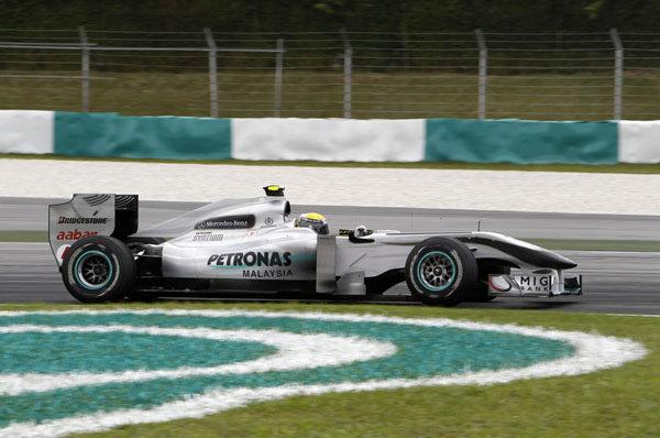 Mercedes prepara una gran evolución para Barcelona