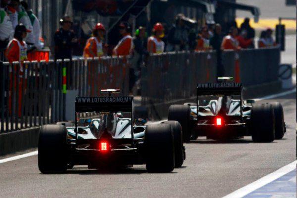 El material de la Fórmula 1 se espera hoy en Europa 001_small