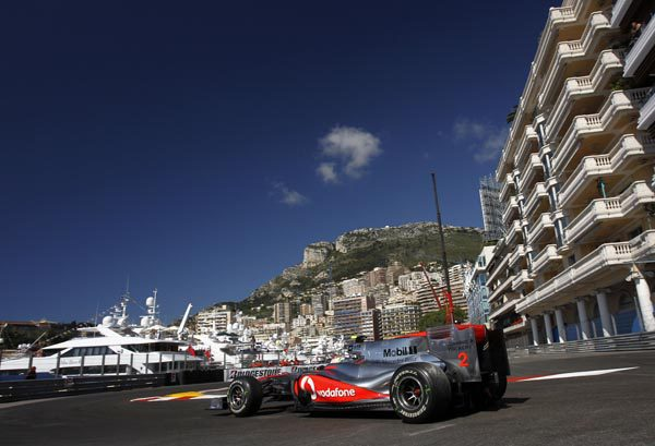 Los comisarios advierten a los pilotos antes de la calificación de Mónaco 001_small