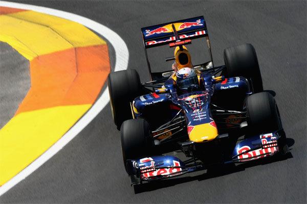 Vettel se destapa en los últimos entrenamientos de Valencia