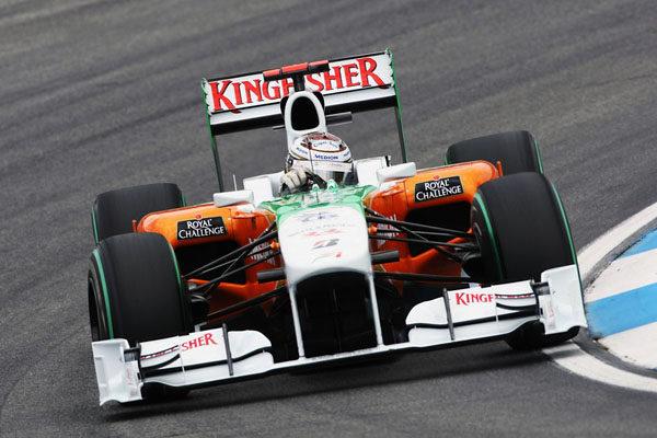 Force India se lleva una reprimenda por el intercambio de neumáticos