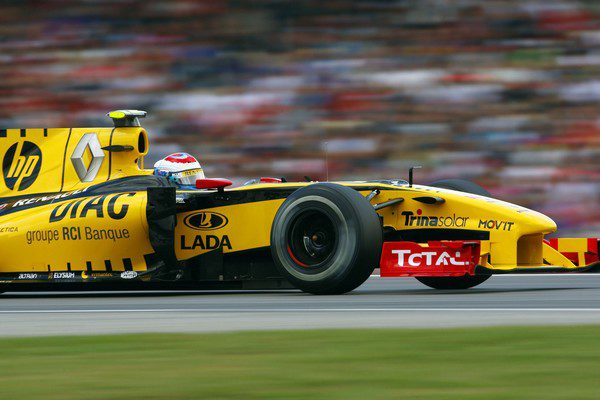 Renault, satisfecho con el rendimiento de Petrov