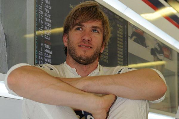 Mercedes libera de su contrato a Nick Heidfeld
