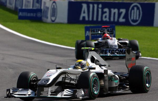 Allianz podría ser nuevo patrocinador de Mercedes GP