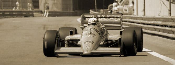 Satoru Nakajima rueda con Lotus