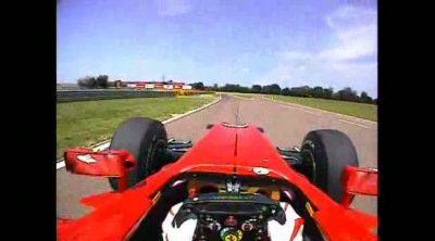 Alonso comenta una vuelta a la pista de Fiorano