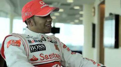 Lewis Hamilton entrevistado antes del GP de Gran Bretaña 2010