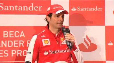 Pedro de la Rosa responde a la prensa en su primer evento como piloto de Ferrari