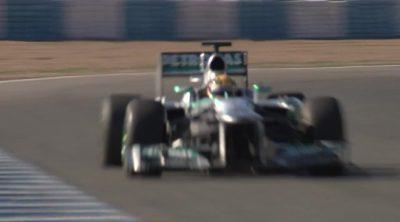 Primeras vueltas de Lewis Hamilton con el Mercedes W04
