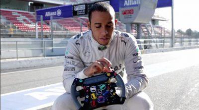 Lewis Hamilton y Nico Rosberg avanzan el programa de seguridad vial de Mercedes