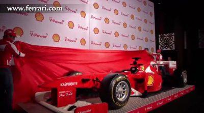 Los pilotos de Ferrari descubren un F138 hecho con piezas de Lego