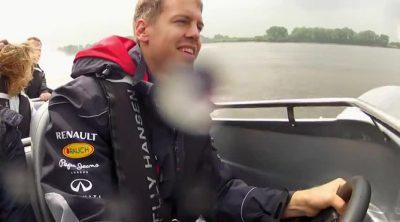 Sebastian Vettel cambia el volante de su Red Bull por el de una lancha