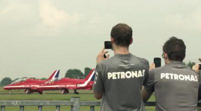 Detrás de las cámaras con Lewis Hamilton y las Red Arrows