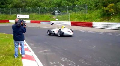 Hamilton y Rosberg con los Mercedes W196 y W154 (sonido natural)