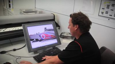 Lawrence Manning, el hombre que pinta los McLaren de F1