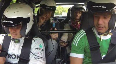 Nico Rosberg da un paseo a Lukas Podolski por el Infierno Verde