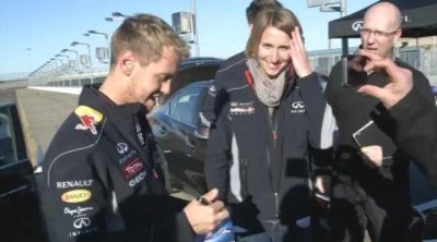 Sebastian Vettel al volante del nuevo Q50 en Nashville