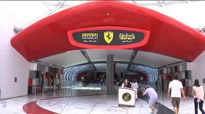 Alonso y Massa visitan el 'Ferrari World' en Abu Dabi