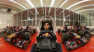 Damos una vuelta con Carlos Sainz en el simulador en Baréin (360º)