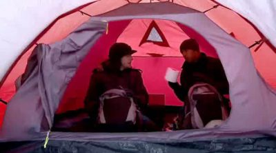 Hamilton y Button se van de acampada