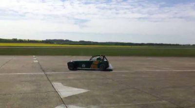 Kovalainen derrapando con el Lotus/Caterham Seven