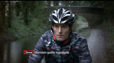 Mark Webber en un anuncio de vitaminas