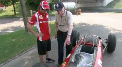 Fernando Alonso y John Surtees repasan el circuito de Spa-Francorchamps