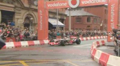 Exhibición de Jenson Button por las calles de Manchester