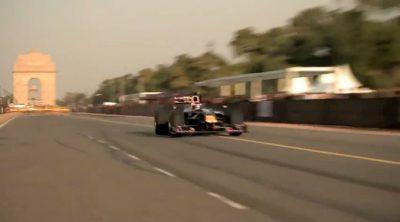 Exhibición de Daniel Ricciardo y Red Bull por las calles de Nueva Delhi