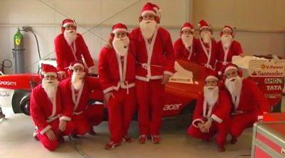 Papá Noel se apodera del Ferrari de Fernando Alonso