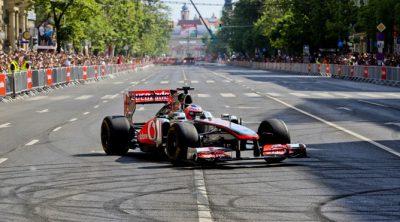Jenson Button nos acerca las calles de Budapest con el MP4-26