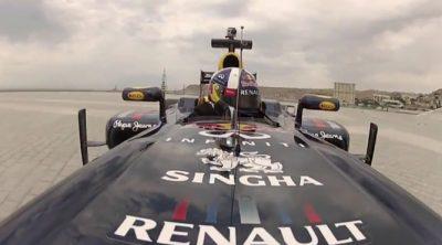 David Coulthard hizo rugir el RB7 por las calles de Bakú