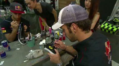 Ricciardo y Vergne pintan sus propias zapatillas para el GP de Singapur 2012