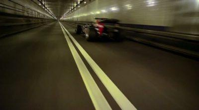 David Coulthard y Red Bull ruedan por el Túnel Lincoln