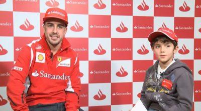 Un niño entrevista a Fernando Alonso
